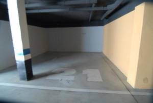 HOTPH3095_11_Garage